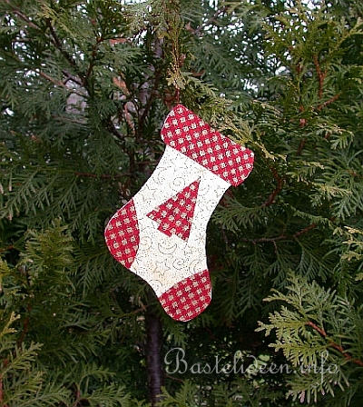 basteln mit papier weihnachten weihnachtsstrumpf. Black Bedroom Furniture Sets. Home Design Ideas