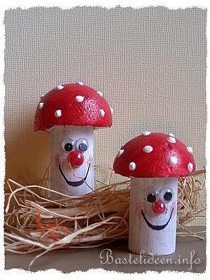 Bastelideen - Herbstbasteln mit Kindern - Pilze aus Weinkorken