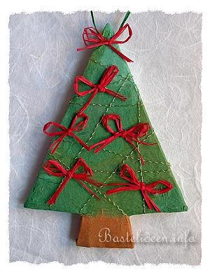 weihnachtsbasteln weihnachtsbaum anh nger aus pappmach. Black Bedroom Furniture Sets. Home Design Ideas