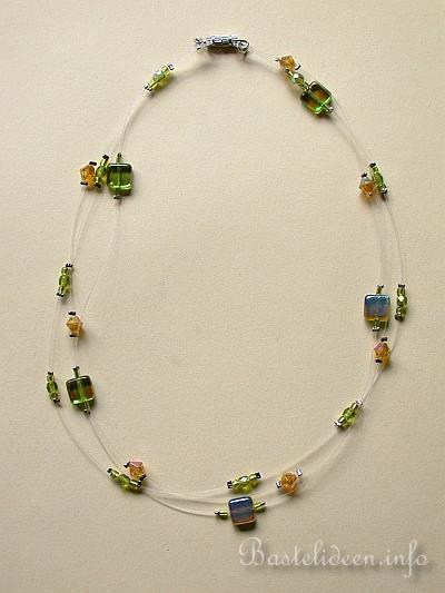 Schmuckbasteln Basteln Mit Perlen Perlen Halskette In Grun