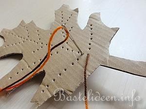 Bastelanleitung Bestickte Herbstblatter Aus Pappe