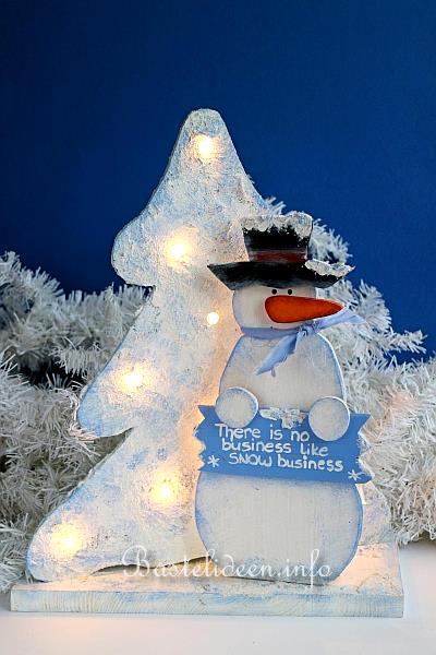Weihnachten Laubsaegearbeit Schneemann Und Weihnachtsbaum