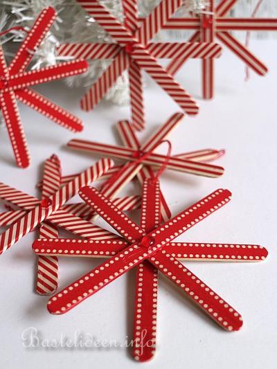 basteln mit kindern zu weihnachten holz schneeflocken basteln. Black Bedroom Furniture Sets. Home Design Ideas