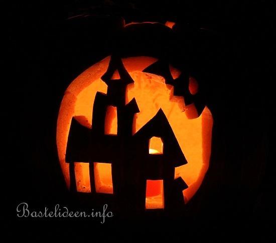 halloweenbasteln mit k rbissen spukhaus k rbis. Black Bedroom Furniture Sets. Home Design Ideas