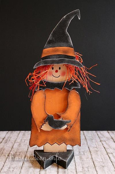 Halloween Basteln Holz.Halloween Basten Freundliche Holz Hexe Mit Rabe