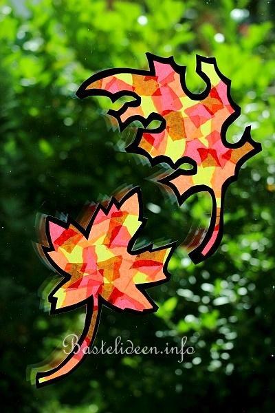 Herbstbasteln mit kindern herbstlaub fensterbild - Herbst bastelvorlagen fensterbilder ...