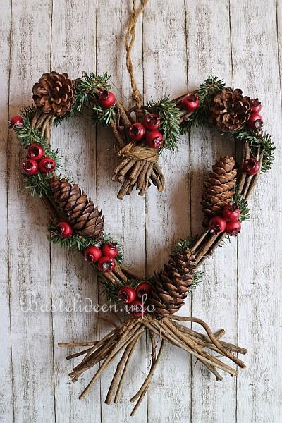Türkranz Weihnachten.Weihnachtsbasteln Herz Türkranz Für Weihnachten