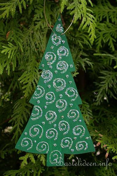 Laubsägearbeit für Winter und Weinachten - Weihnachtsbaum