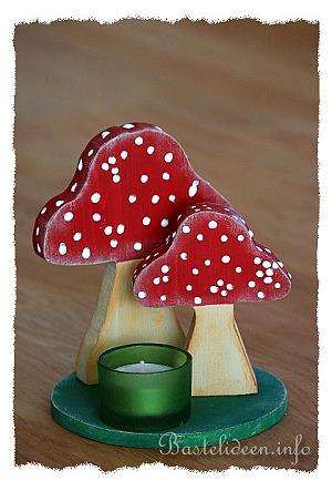 Basteln mit holz f r den herbst tischdeko mit pilzen for Holz bastelvorlagen kostenlos