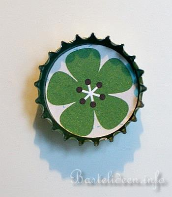 recycling bastelidee kronkorken pinwand magnete. Black Bedroom Furniture Sets. Home Design Ideas