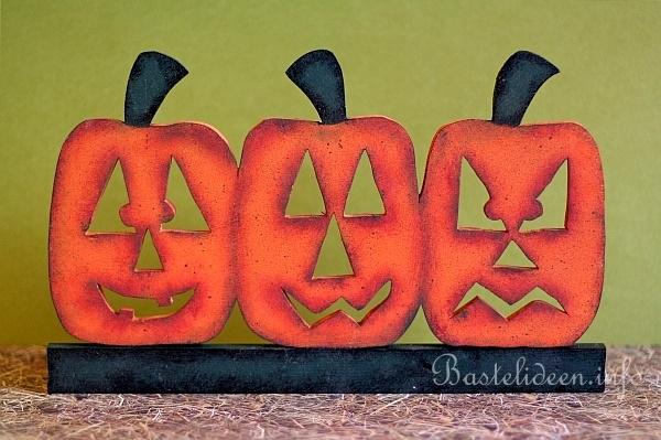 Kostenlose basteln mit holz herbst laubsaegearbeit mit for Herbstdeko kurbis