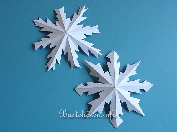 weihnachtsbasteln mit papier plastische schneeflocken. Black Bedroom Furniture Sets. Home Design Ideas