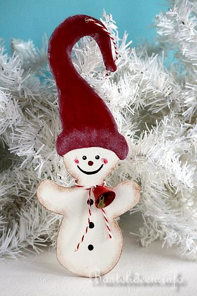 weihnachtsbasteln schnee wichtel laubs gearbeit in rot. Black Bedroom Furniture Sets. Home Design Ideas