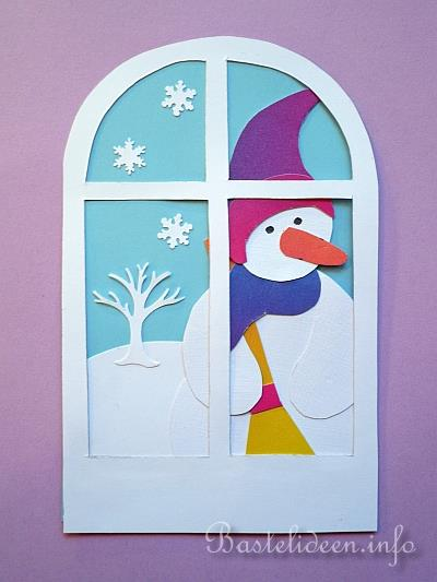 Weihnachtsbasteln mit papier fensterbild schneemann im - Winterdekoration fenster ...