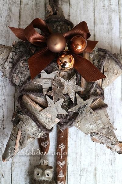 weihnachtsbasteln ein stern aus birkenrinde weihnachtlich beschm ckt. Black Bedroom Furniture Sets. Home Design Ideas