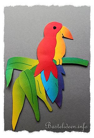 tiere basteln aus papier papagei fensterbild. Black Bedroom Furniture Sets. Home Design Ideas