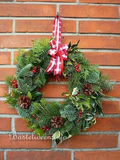 Türkranz Weihnachten.Weihnachtsbasteleien Basteln Zu Weihnachten Tuerkraenze Basteln