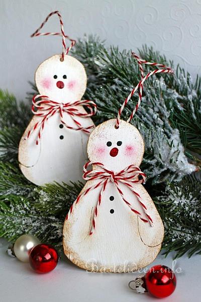 bastelidee f r weihnachten schneemann geschenk oder baumanh nger aus holz. Black Bedroom Furniture Sets. Home Design Ideas