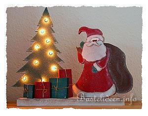 basteln mit holz weihnachtsmann und beleuchteter weihnachtsbaum. Black Bedroom Furniture Sets. Home Design Ideas