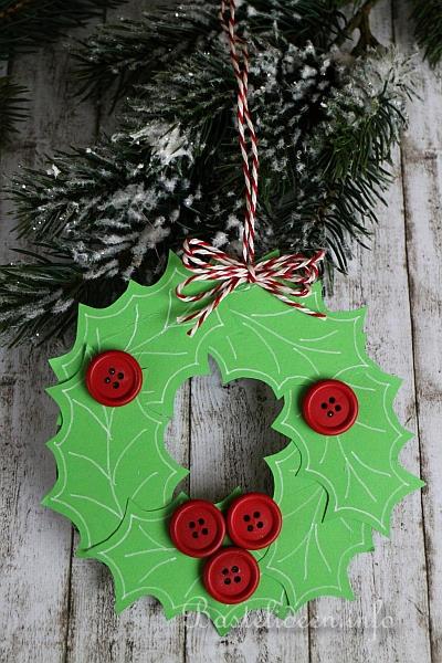 basteln f r weihnachten mit kindern weihnachtskranz aus tonkarton. Black Bedroom Furniture Sets. Home Design Ideas