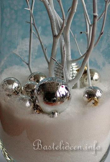 weihnachtsbasteln weihnachtliche und winterliche vase. Black Bedroom Furniture Sets. Home Design Ideas