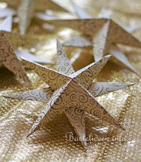 weihnachtsbasteln mit papier 3d origami sterne in gold und weiss. Black Bedroom Furniture Sets. Home Design Ideas