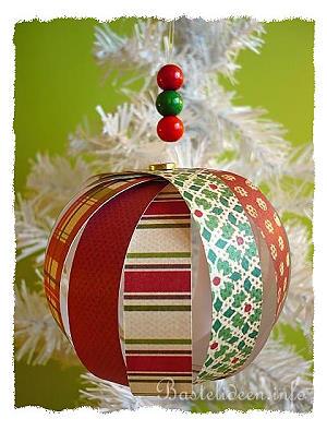 Weihnachtsbasteln mit papier christbaumkugel mit for Bastelanleitung baum aus papier