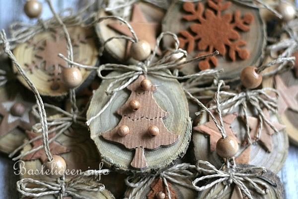 weihnachtsbasteln mit holz - natürliche weihnachtsbaumanhänger aus,