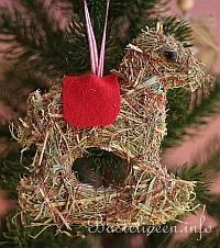 Kostenlose bastelanleitung fuer heu dekorationen - Weihnachtsbaum aus pappe ...
